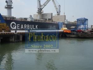 Xử lý rỉ thép - gia cố bê tông cảng Đà Nẵng